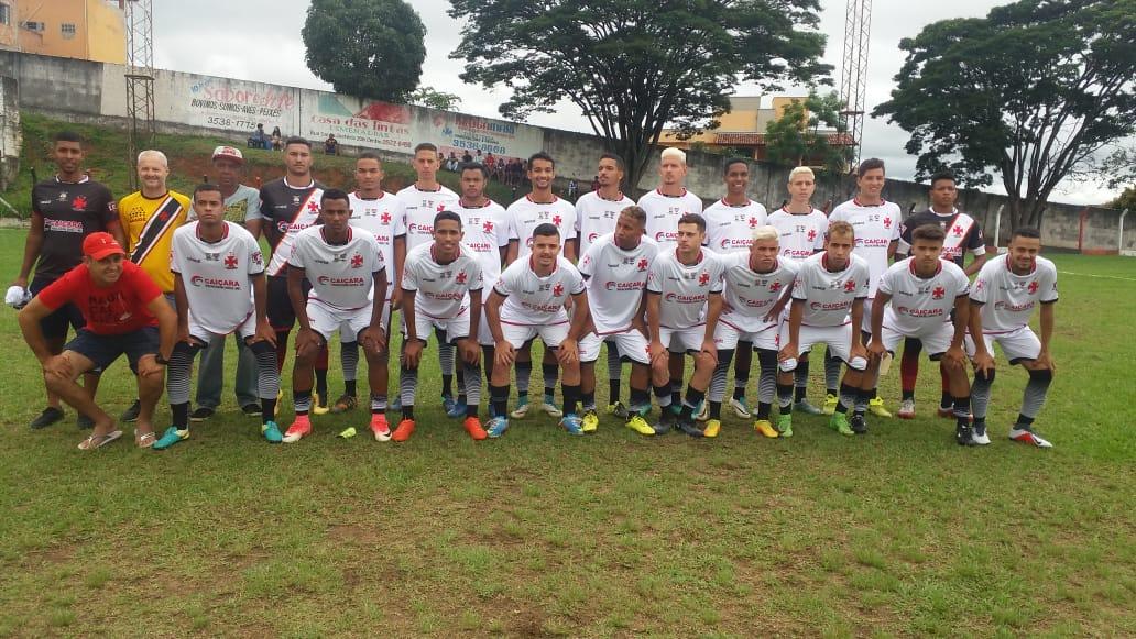PUBLICADO em 10 12 - Estreia do GIGANTE de Esmeraldas 1-1 contra o Retiro  de Nova Lima. a1e4ed35cd993